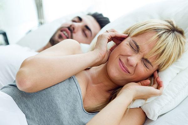 Храп во сне. Как помочь человеку?