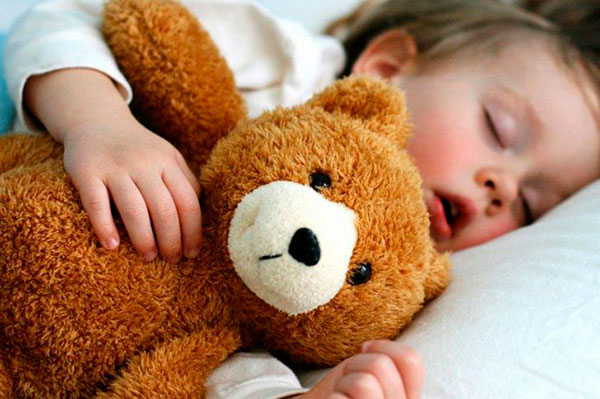 Храп у ребенка во сне: причины и лечение