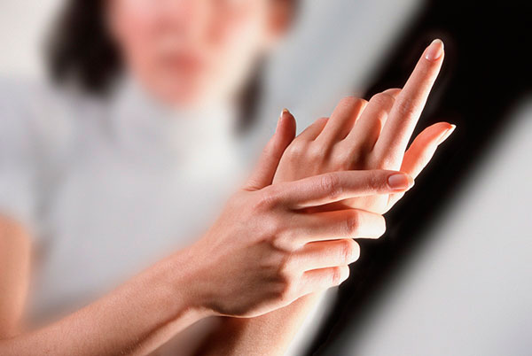 Онемение рук ночью: причины и лечение