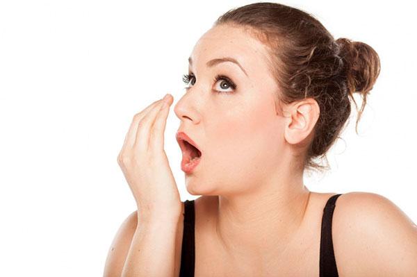 Что делать, если дурно пахнет изо рта?
