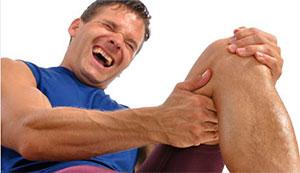 Сводит ноги по ночам: причины и лечение