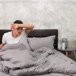 Почему потеешь ночью, когда спишь. Причины гипергидроза.
